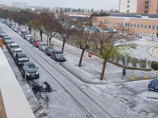 Und Palmas Straßen präsentierten sich nach dem Hagelschauer für kurze Zeit ganz weiß.