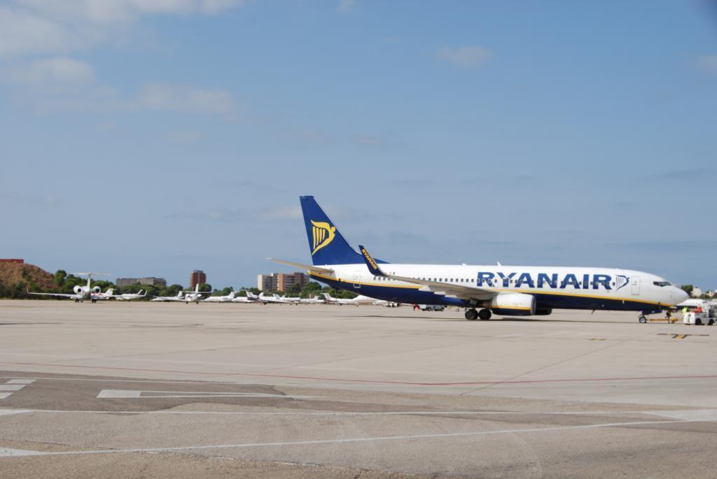 Handgepäck: Ryanair-Pläne möglicherweise illegal
