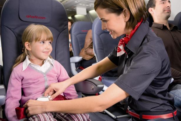 kleine ganz gro wenn kinder alleine fliegen airport airlines leben und arbeiten. Black Bedroom Furniture Sets. Home Design Ideas