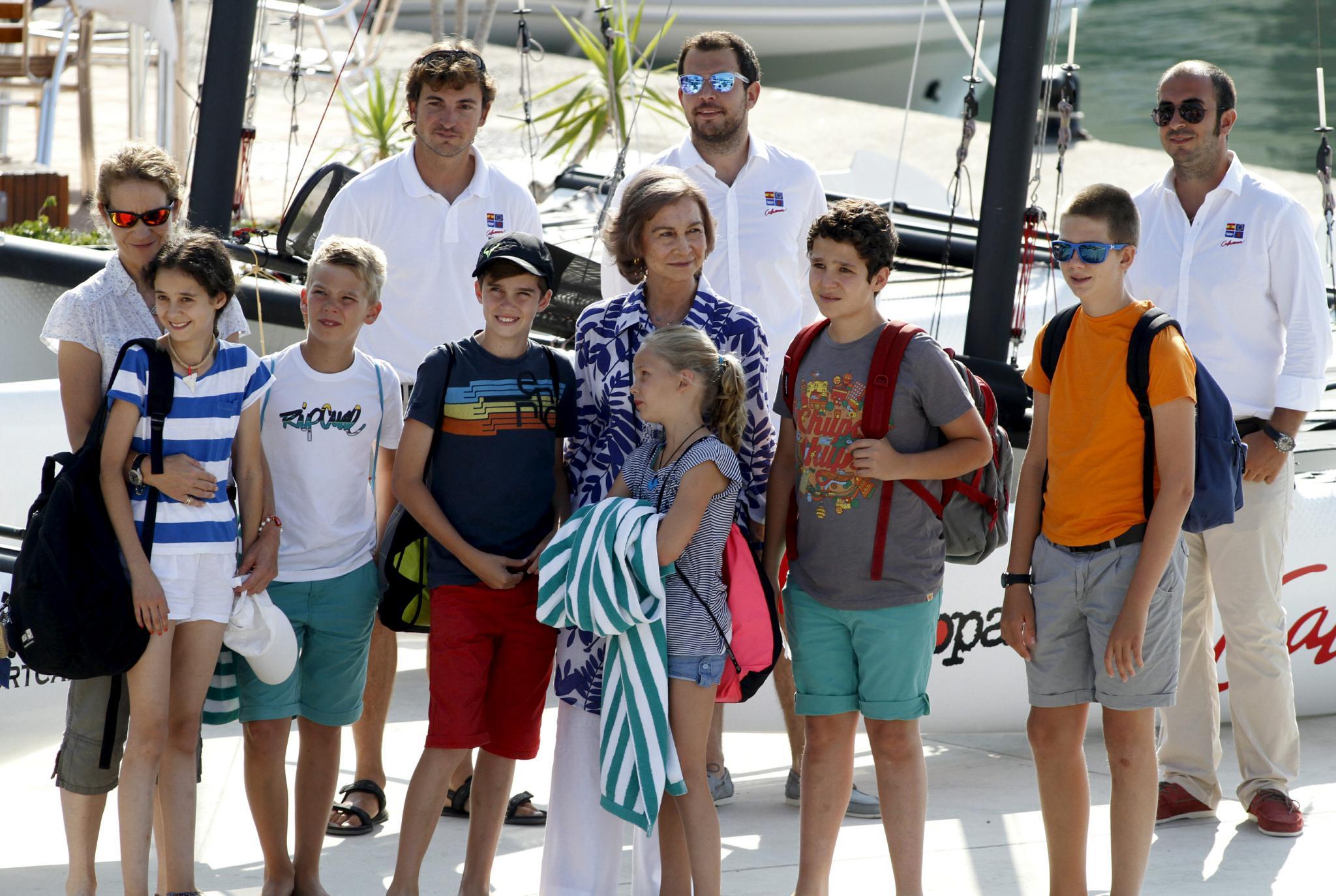 K nigskinder segeln vor mallorca gesellschaft for Nachrichten magazin