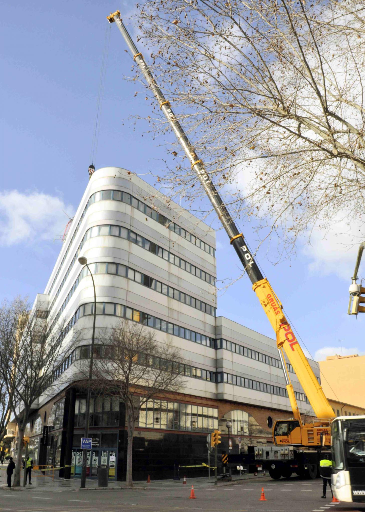 Wind f llt rathaus antenne lokales nachrichten for Nachrichten magazin