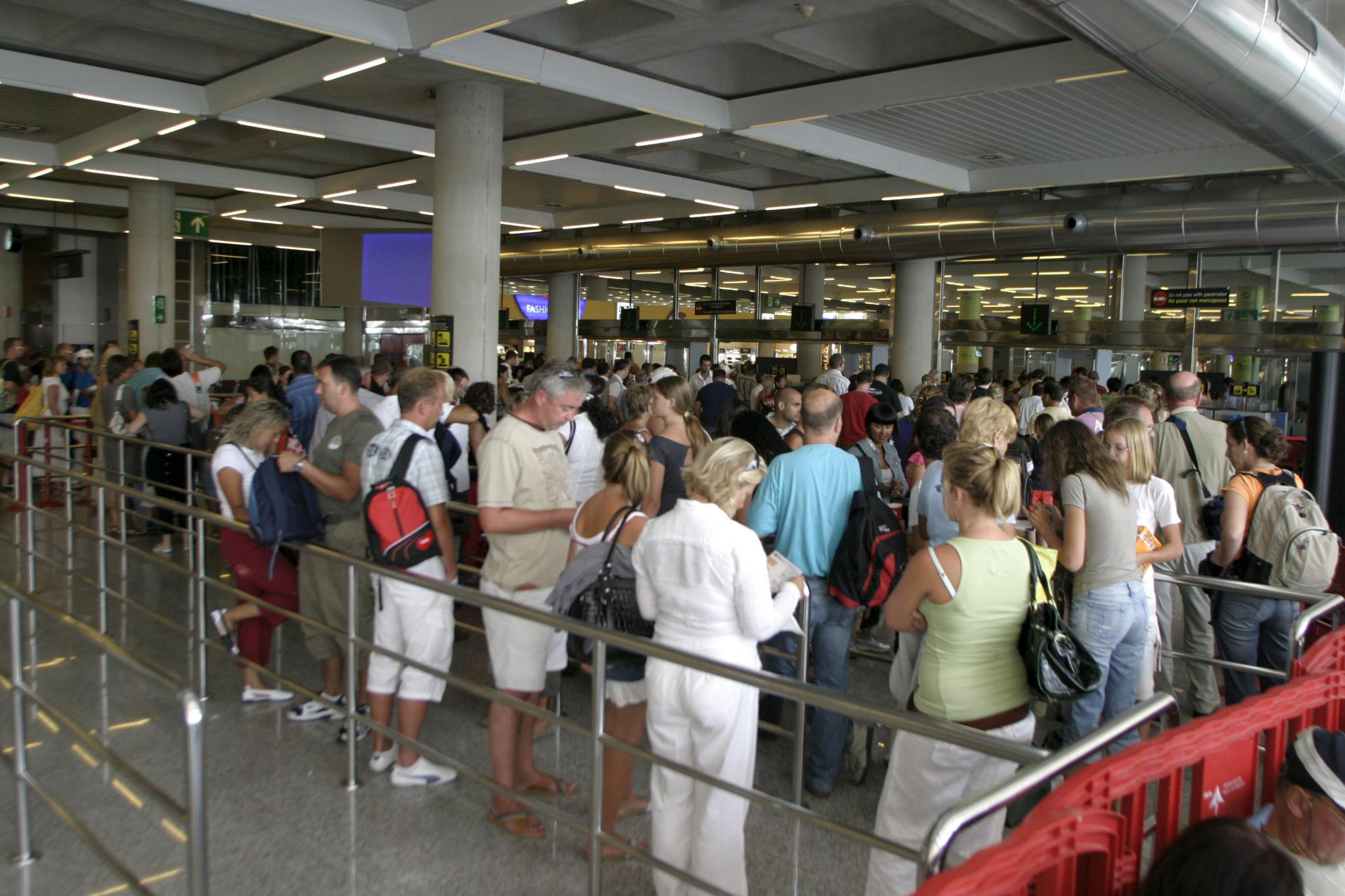 Flughafen palma bekommt fast lane tourismus for Nachrichten magazin