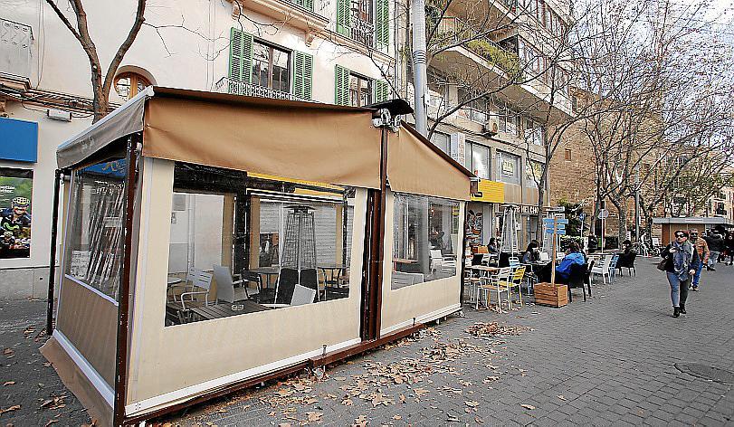 teures rauchen auf geschlossenen terrassen lokales nachrichten mallorca magazin. Black Bedroom Furniture Sets. Home Design Ideas