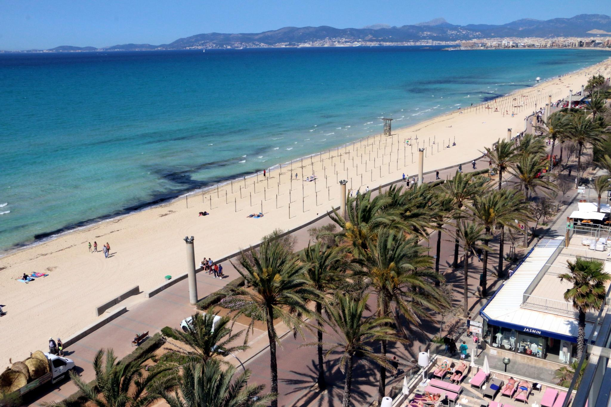 Plattform f r zivilisierte playa de palma macht druck for Design hotel mallorca strand