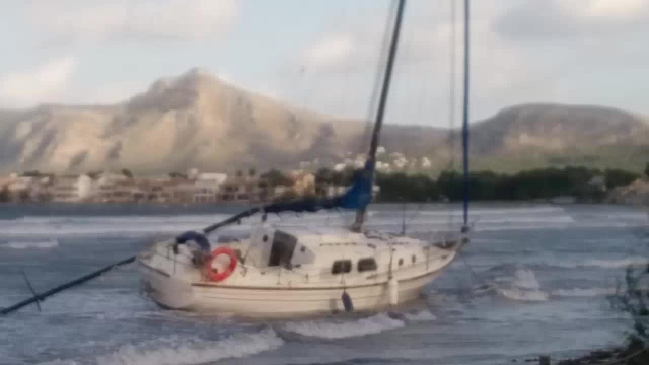 Segelyachten im sturm  Sturm im Inselnorden lässt Segelyacht stranden